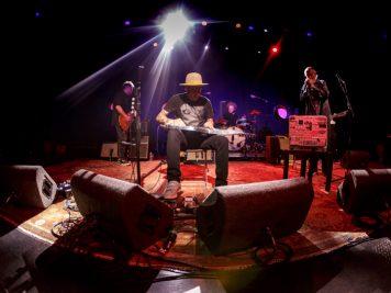 ben-harper-charlie-musselwhiter-foto-concerto-milano-24-aprile-2018-11