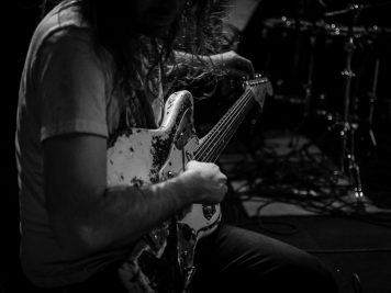a-place-to-bury-strangers-foto-concerto-giavera-del-montello-20-aprile-2018