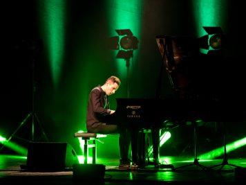 peter-bence-foto-concerto-bologna-06-12-2018-3